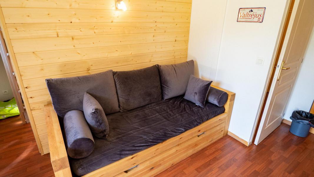 Vacances en montagne Appartement 2 pièces 4 personnes (302) - Chalet de Florence - Valfréjus - Canapé-lit