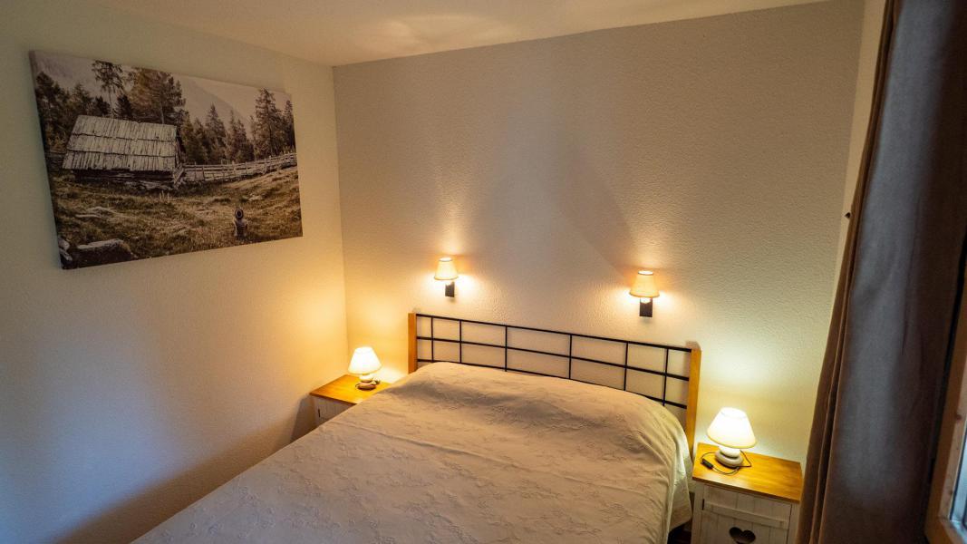 Vacances en montagne Appartement 2 pièces 5 personnes (206) - Chalet de Florence - Valfréjus - Lit double