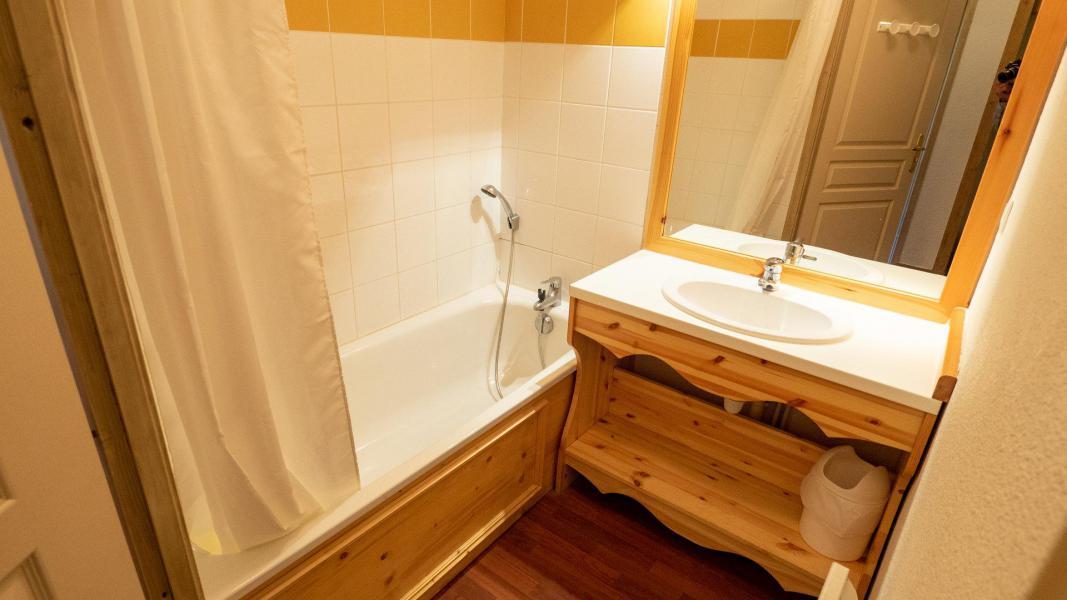 Vacances en montagne Appartement 2 pièces cabine 6 personnes (207) - Chalet de Florence - Valfréjus - Baignoire