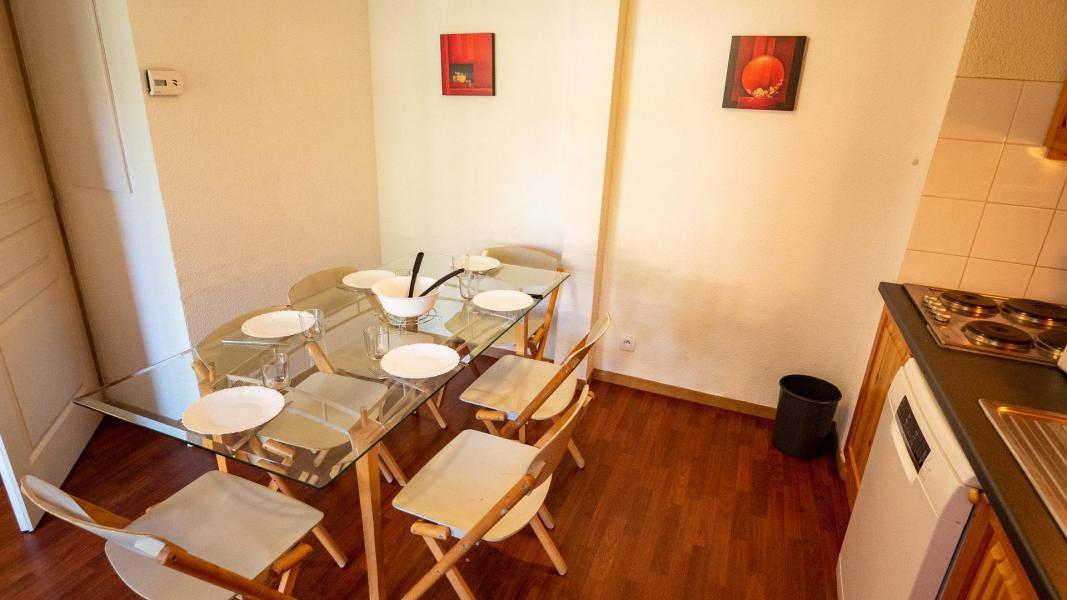 Vacances en montagne Appartement 2 pièces cabine 6 personnes (207) - Chalet de Florence - Valfréjus - Table