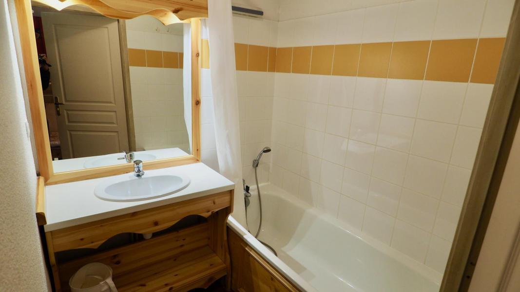 Vacances en montagne Appartement 3 pièces 8 personnes (403) - Chalet de Florence - Valfréjus - Baignoire