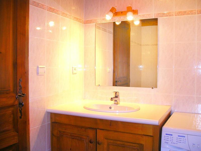 Holiday in mountain resort Chalet de la Côte - Champagny-en-Vanoise - Bathroom