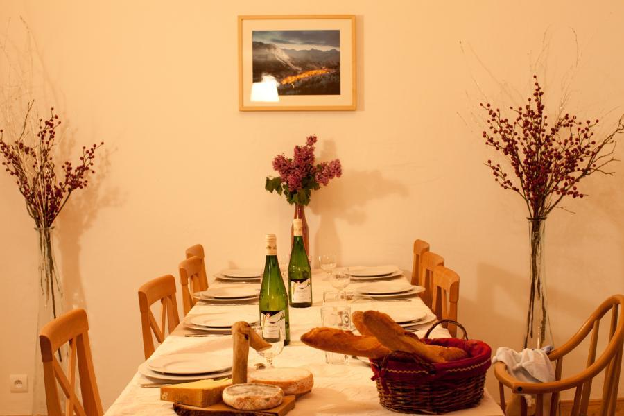Vacanze in montagna Chalet de la Dame Blanche - Les Menuires - Tavolo