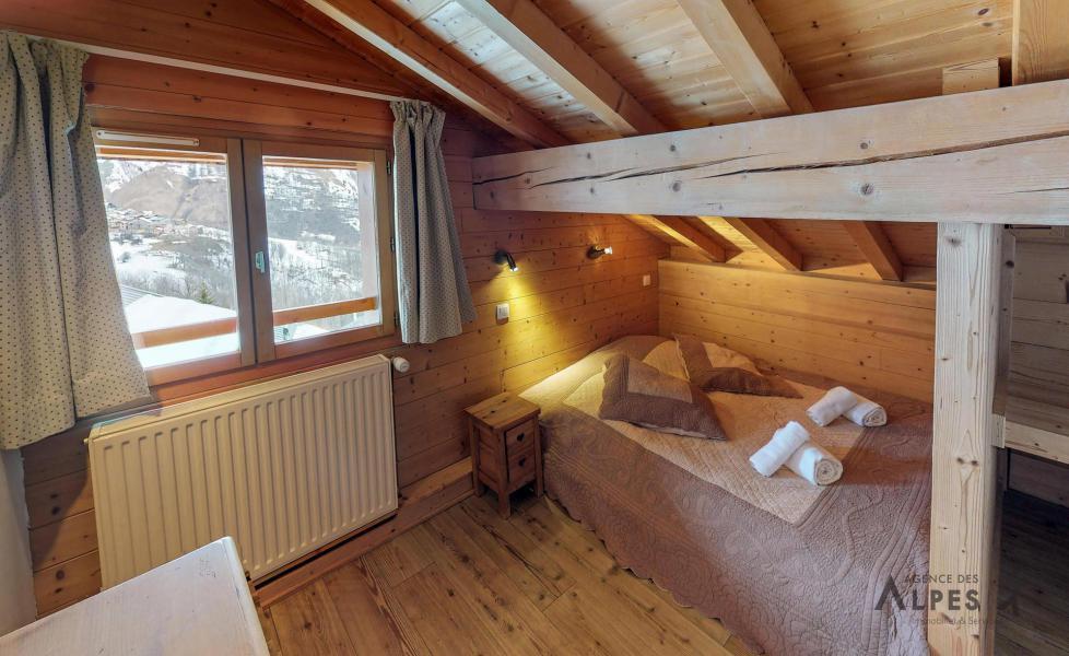 Vacances en montagne Chalet 10 pièces 18 personnes (LET) - Chalet de la Villette - Saint Martin de Belleville - Chambre mansardée