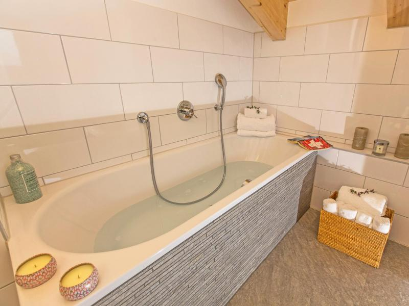 Holiday in mountain resort Chalet des Etoiles - Thyon - Bath-tub