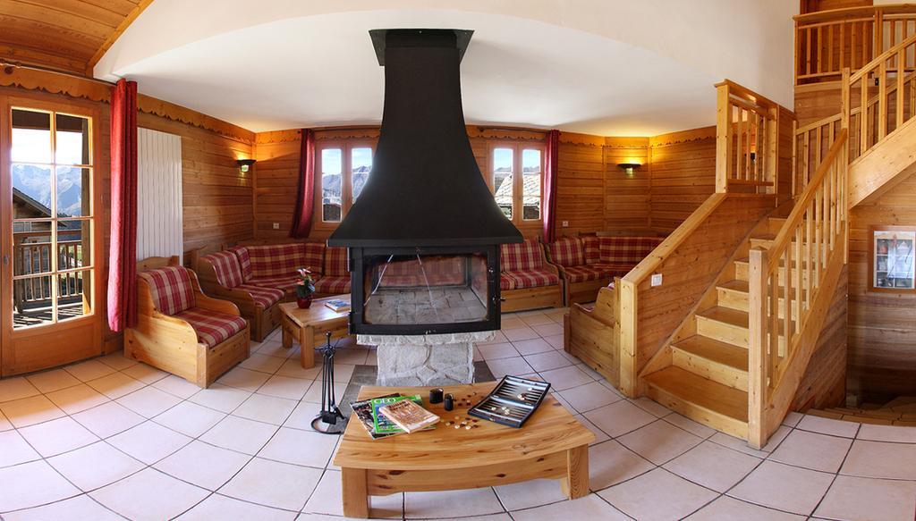 Location 20 personnes alpe d 39 huez alpes du nord montagne vacances - Chalet cheminee montagne ...