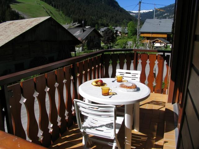 Rent in ski resort 2 room apartment sleeping corner 5 people (8A) - Chalet du Perthuis - Châtel - Summer outside