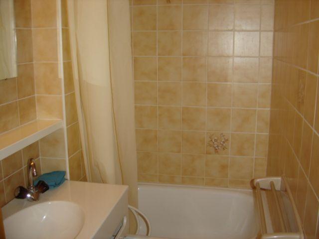Vacaciones en montaña Apartamento cabina 2 piezas para 5 personas (8A) - Chalet du Perthuis - Châtel - Bañera