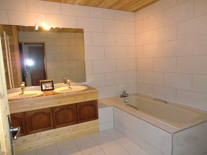 Holiday in mountain resort Chalet Erika - Les 2 Alpes - Bath-tub