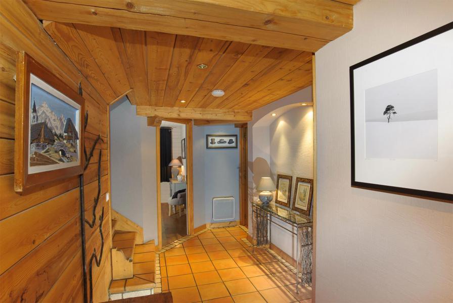Vacances en montagne Chalet Etienne - Méribel - Entrée