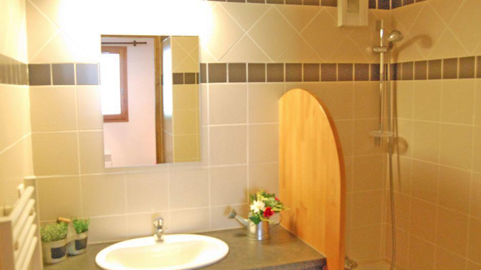 Vacances en montagne Chalet Geffriand - Les Menuires - Salle de bains