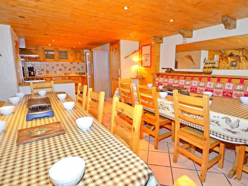 Vacances en montagne Chalet Grand Arbet - Champagny-en-Vanoise - Table