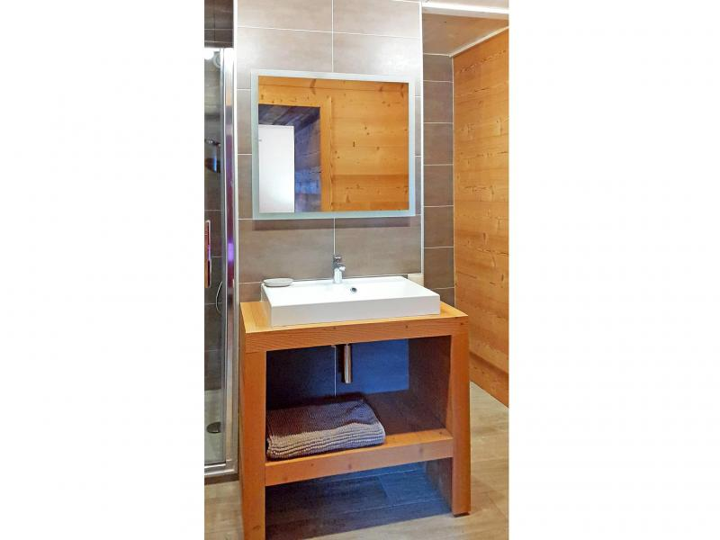 Holiday in mountain resort Chalet Grand Massif - Morillon - Shower room