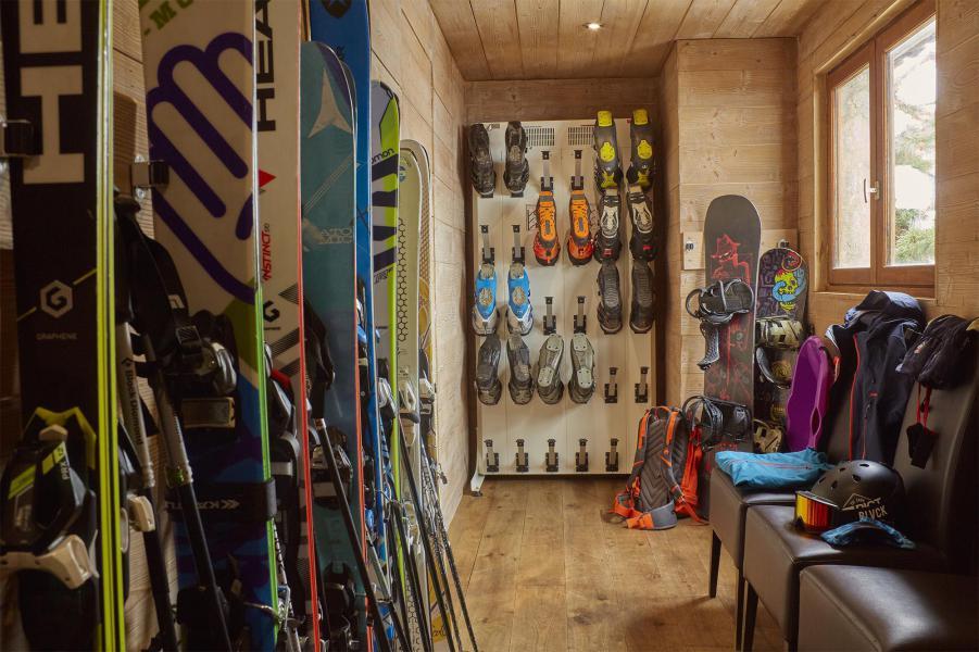 Vacances en montagne Chalet Iona - Méribel - Casier à skis