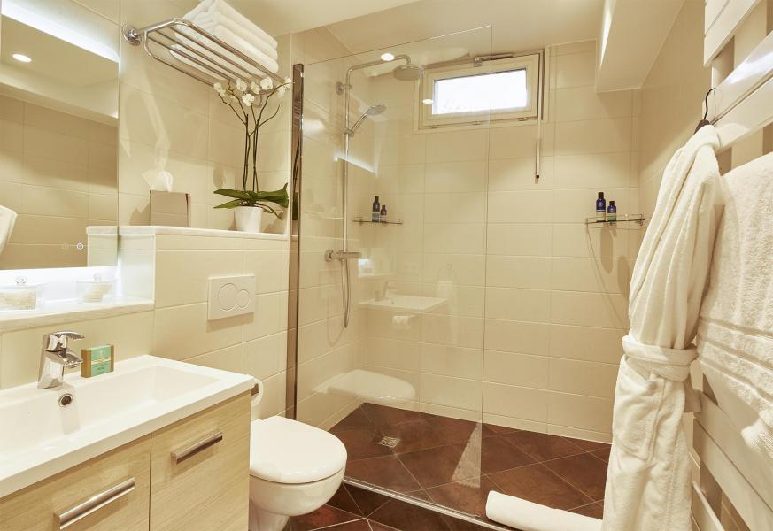 Vacances en montagne Chalet Iona - Méribel - Salle de bains
