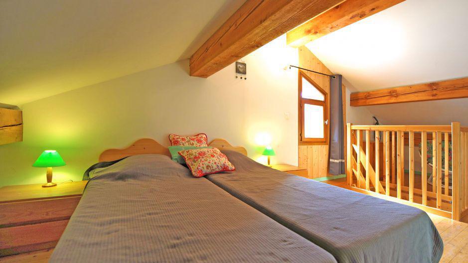 Vacances en montagne Appartement duplex 3 pièces 5 personnes - Chalet Iris - Saint Martin de Belleville - Chambre ouverte