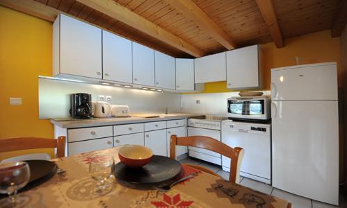 Vacances en montagne Appartement duplex 3 pièces 5 personnes - Chalet Iris - Saint Martin de Belleville - Table