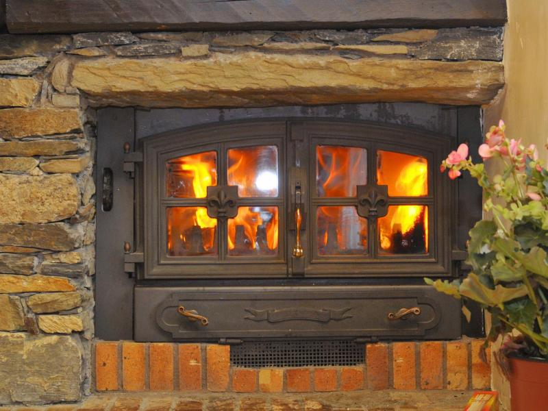 Holiday in mountain resort Chalet Joly - Champagny-en-Vanoise - Fireplace