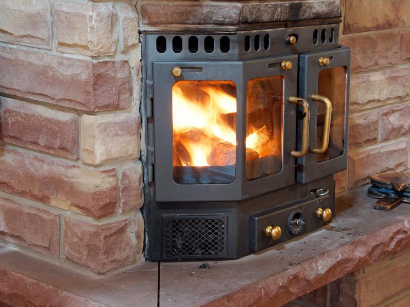 Holiday in mountain resort Chalet Karibu - Thyon - Fireplace