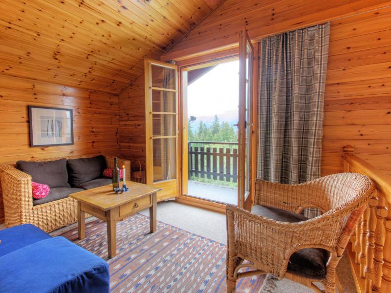 Holiday in mountain resort Chalet Karibu - Thyon - Living room