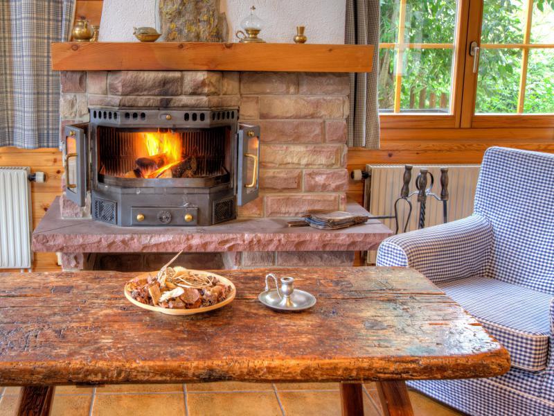 Holiday in mountain resort Chalet Karibu - Thyon - Table