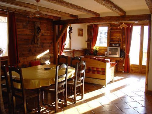Vacances en montagne Appartement 8 personnes - Chalet l'Edelweiss - Champagny-en-Vanoise - Coin repas