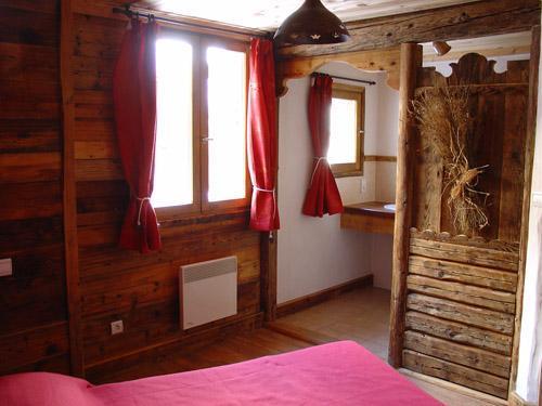 Vacances en montagne Appartement 8 personnes - Chalet l'Edelweiss - Champagny-en-Vanoise - Fenêtre