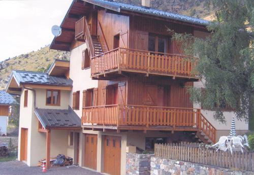Vacances en montagne Appartement 3 pièces 4-6 personnes - Chalet le Chamois - Les Menuires - Extérieur été