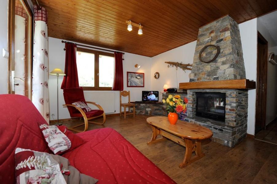 Vacances en montagne Appartement 3 pièces 4-6 personnes - Chalet le Chamois - Les Menuires - Cheminée