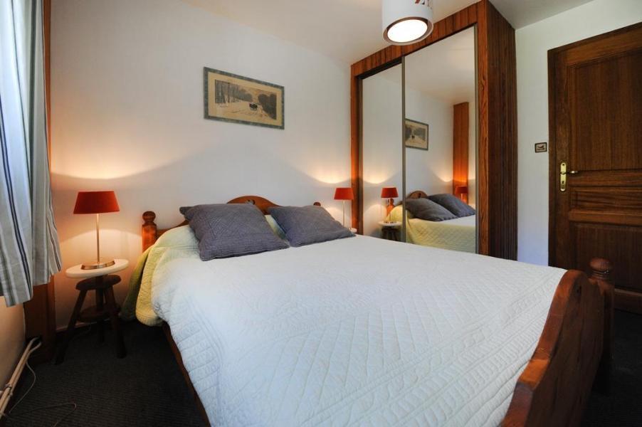 Vacances en montagne Appartement 3 pièces 4-6 personnes - Chalet le Chamois - Les Menuires - Lit double