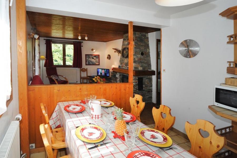 Vacances en montagne Appartement 3 pièces 4-6 personnes - Chalet le Chamois - Les Menuires - Table