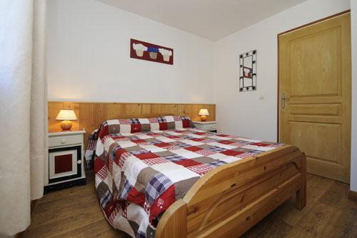 Vacances en montagne Appartement 3 pièces 6 personnes (2) - Chalet le Cristal - Les Menuires - Lit double