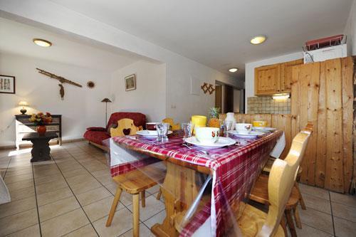 Vacances en montagne Appartement 3 pièces 6 personnes (2) - Chalet le Cristal - Les Menuires - Table