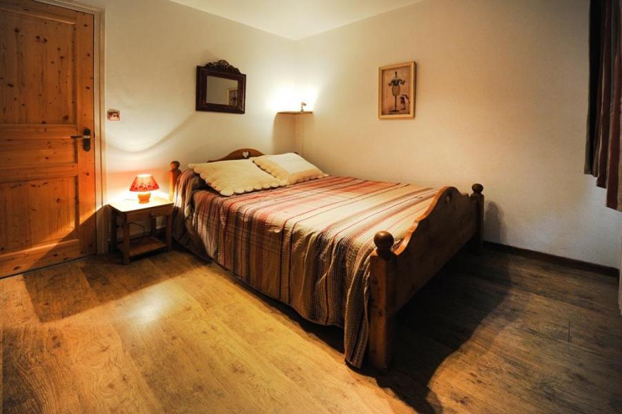 Vacances en montagne Appartement 5 pièces 8 personnes - Chalet le Génépi - Les Menuires - Lit double