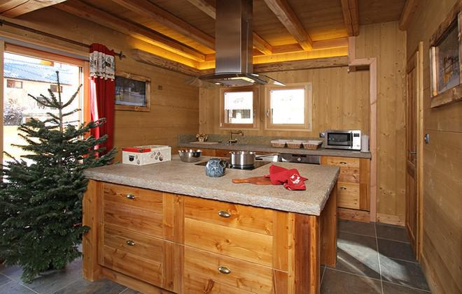 Holiday in mountain resort Chalet Le Loup Lodge - Les 2 Alpes - Kitchen