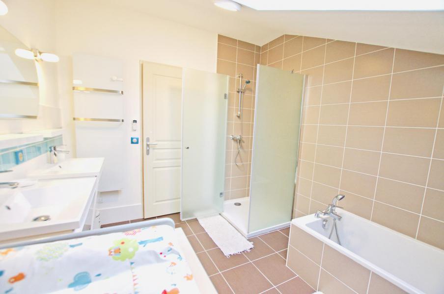 Vacances en montagne Chalet 6 pièces 10 personnes - Chalet le Sérac - Champagny-en-Vanoise - Salle de bains