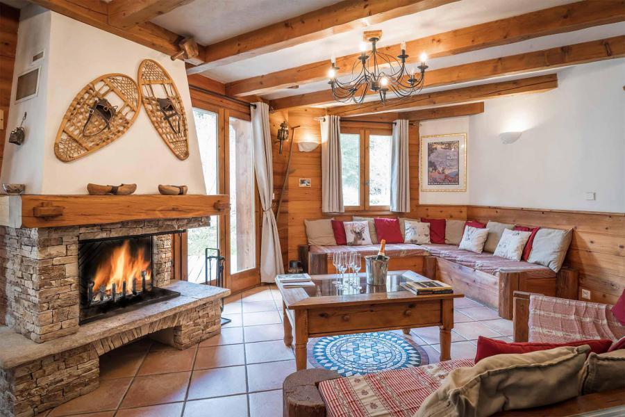 Vacances en montagne Chalet Léa - La Tania - Cheminée
