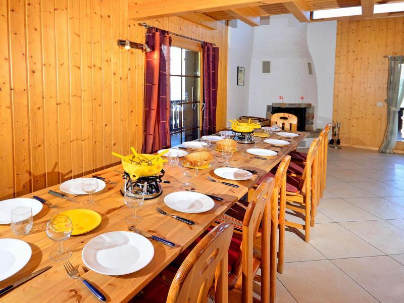 Vacances en montagne Chalet les Etoiles - La Tzoumaz - Salle à manger
