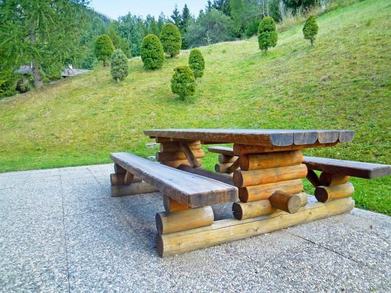 Location au ski Chalet Mouettes - La Tzoumaz - Extérieur été