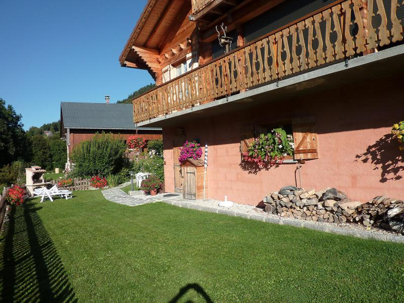 Holiday in mountain resort Studio 4 people (1) - Chalet Namasté - Le Grand Bornand - Summer outside