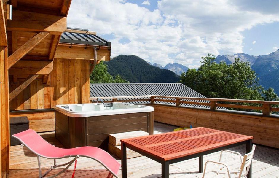 Vakantie in de bergen Chalet Nuance de Blanc - Alpe d'Huez - Buiten zomer
