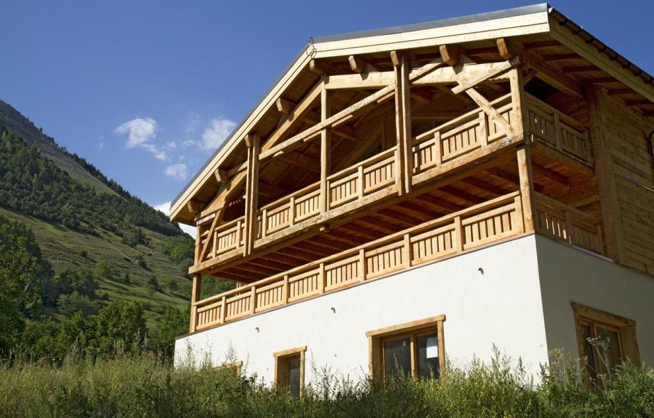 Location au ski Chalet Nuance de Bleu - Alpe d'Huez - Extérieur été
