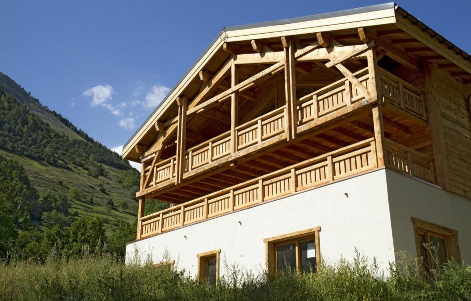 Location au ski Chalet Nuance de Gris - Alpe d'Huez - Extérieur été