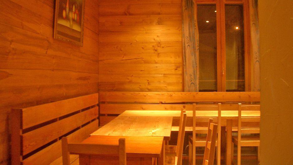 Urlaub in den Bergen Chalet Oursons - Saint Martin de Belleville - Tisch