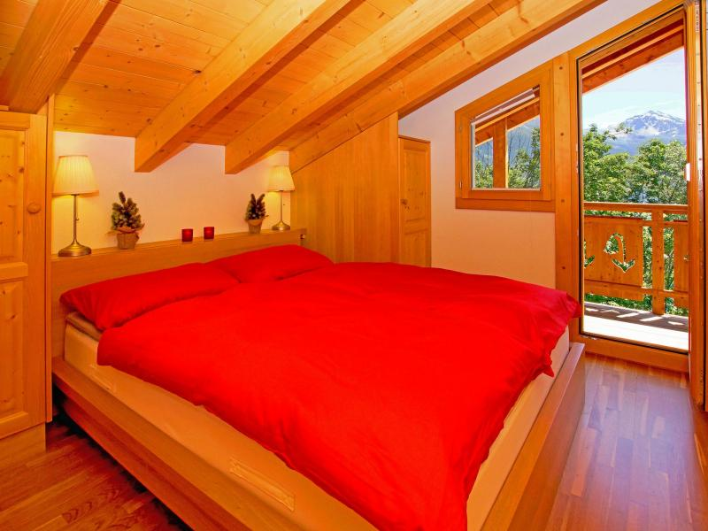 Holiday in mountain resort Chalet Panorama - Thyon - Bedroom under mansard