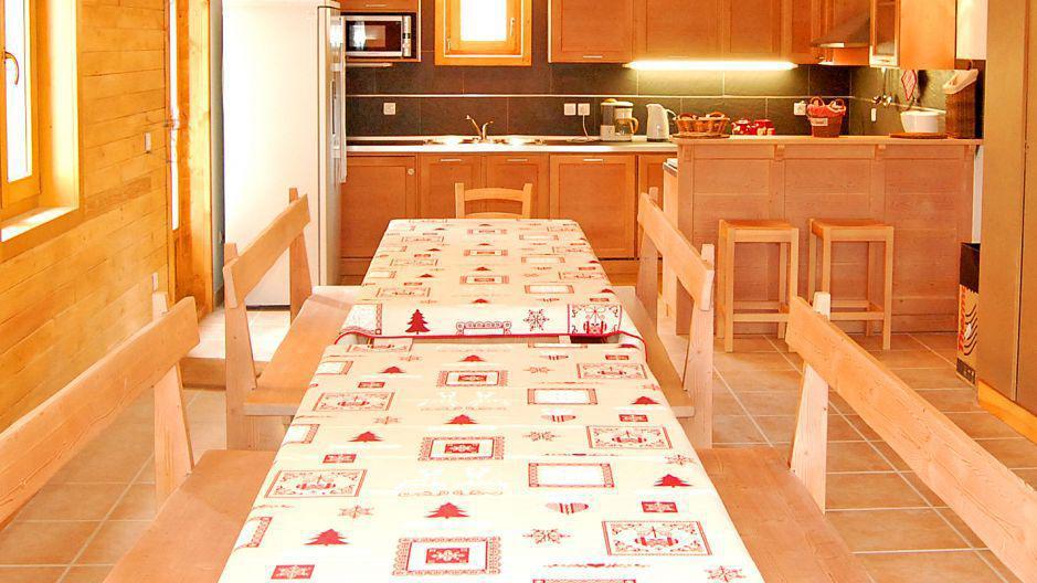 Holiday in mountain resort Chalet Paulo - Saint Martin de Belleville - Dining area