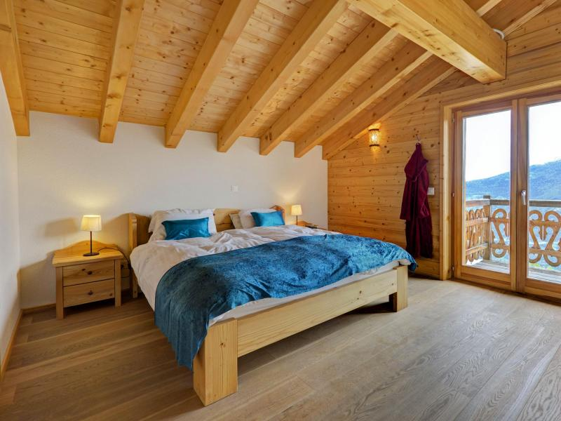 Holiday in mountain resort Chalet Perle des Collons - Thyon - Bedroom under mansard
