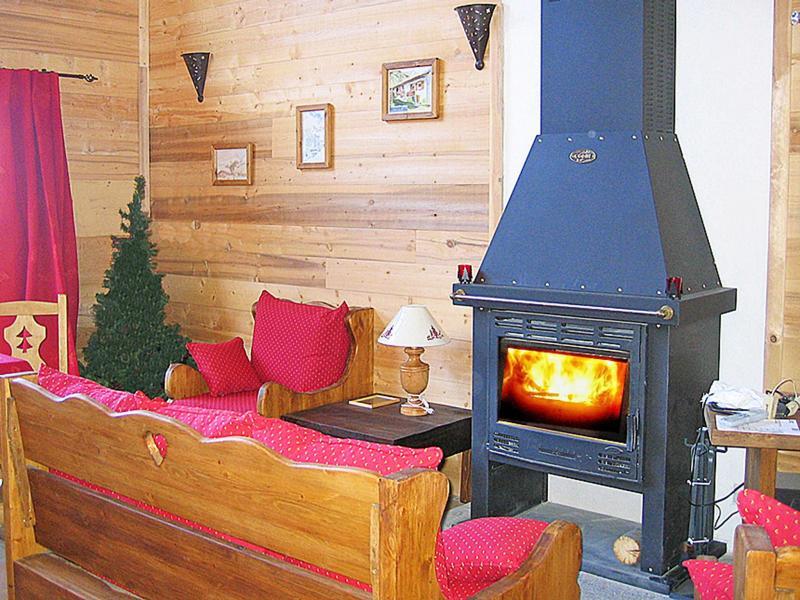 Vacances en montagne Chalet Piccola Pietra - Peisey-Vallandry - Poêle à bois