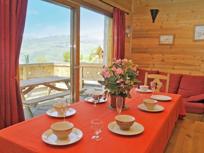 Vacances en montagne Chalet Piccola Pietra - Peisey-Vallandry - Table