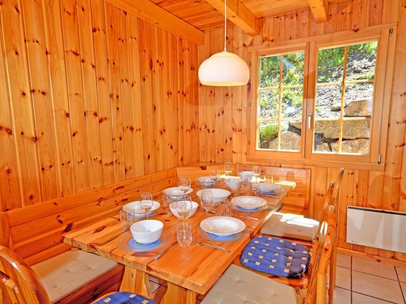 Vacanze in montagna Chalet Quatre Vallées - La Tzoumaz - Sala da pranzo